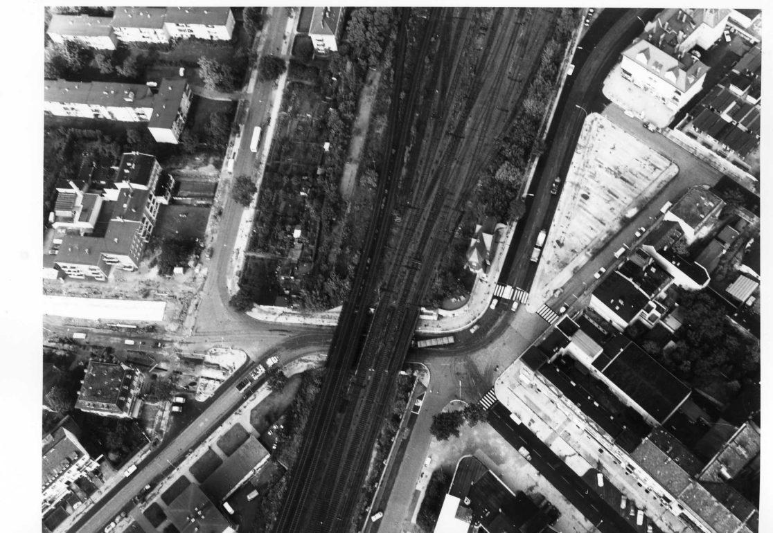 Luftbild des Kranoldplatzes, bevor die nördliche Randbebauung erfolgt ist.