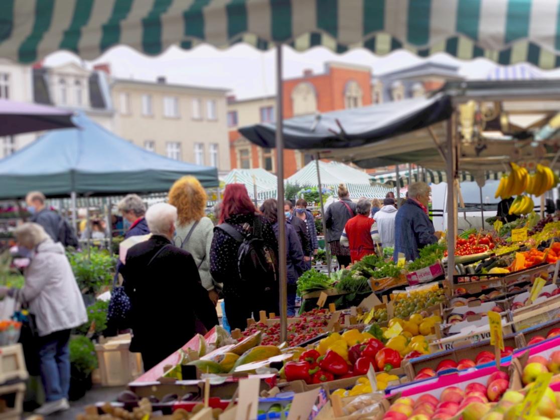 Wochenmarktsituation auf dem Kranoldplatz